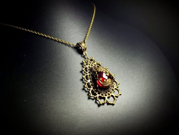 Red Bronze Pendant Neck A5